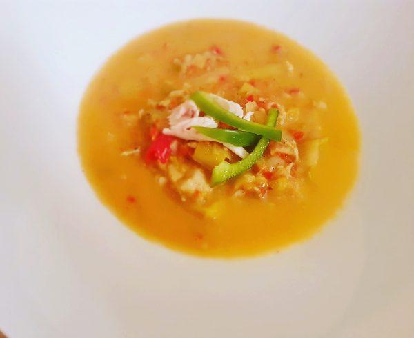 Niskokaloryczna zupa rybna z warzywami